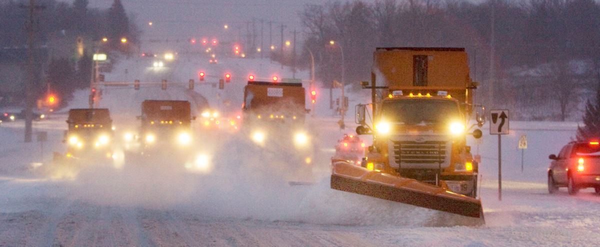 Dakota County snowplows in tandem